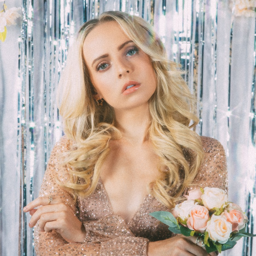 Madilyn Bailey, Singer & Songwriter